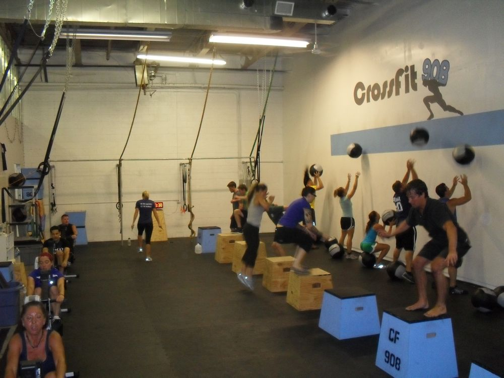 Biggest class yet - 18 people @ Thursday's 5:15pm. It couldn't have gone any smoother.